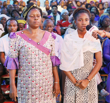 miss-oseni-funmilayo-and-mother-passed-out-fibroid-2